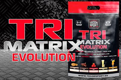Saco de proteína Tri Matrix Evolution con fondo gris